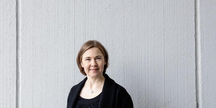 Lina Simons – sinnikkyydellä korumuotoilijaksi